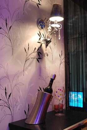 梦幻紫色新古典主义背景墙装潢欣赏