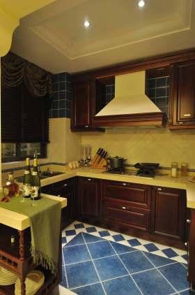 2015美式小户型厨房装潢欣赏