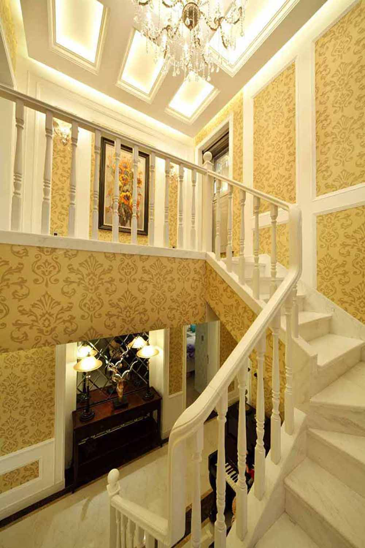 高貴典雅歐式旋轉樓梯裝修圖片