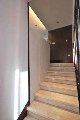 优雅高端新中式楼梯装潢设计