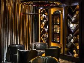 新古典主义深沉优雅酒柜环境装潢