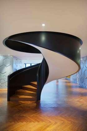 现代大气醒目楼梯设计案例欣赏