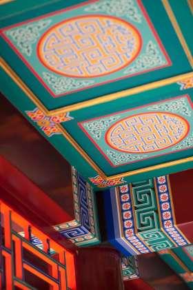 中式鲜艳吊顶装潢