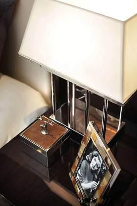 现代风格床头柜展示