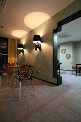 浪漫光氛中式家装背景墙装潢