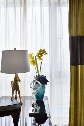 雅致美式简约风窗帘装饰布置