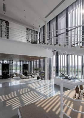 大气中式别墅楼梯装修整体效果图