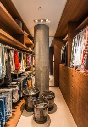 现代时尚工业风衣帽间装饰布置效果图
