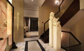 低调奢华新中式楼梯简约设计