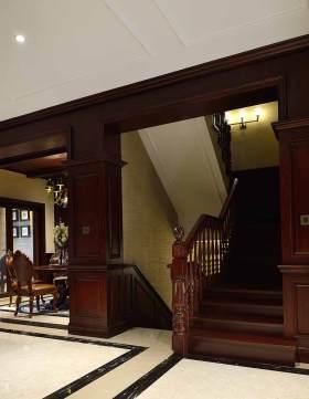 大气典雅美式楼梯装潢设计