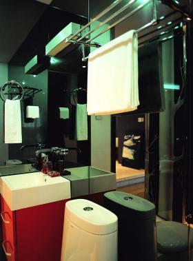 现代风格质感卫生间设计图