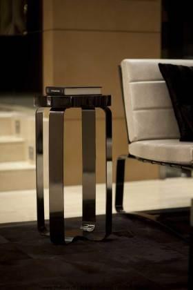 现代风格设计感高脚椅展示