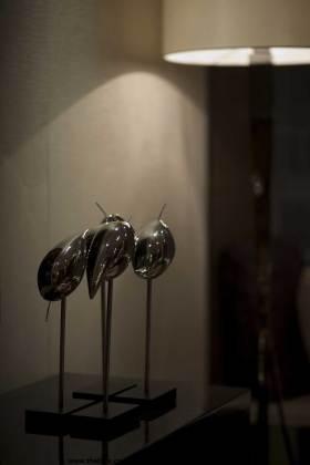 金属现代艺术品展示