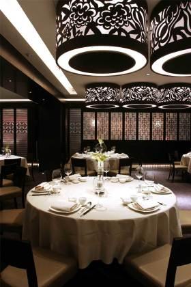 2016大气时尚新古典餐厅吊顶设计