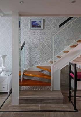 时尚纯净简欧风格楼梯设计