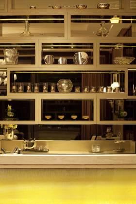 金属感时尚现代风格厨房收纳设计