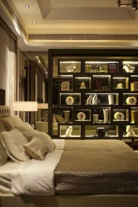 典雅高贵简欧风格展示柜装修
