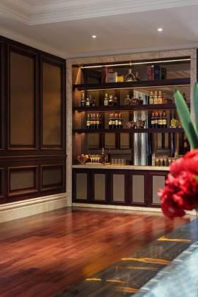 2016传统别墅美式酒柜设计
