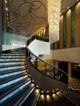大气典雅美式风格楼梯设计
