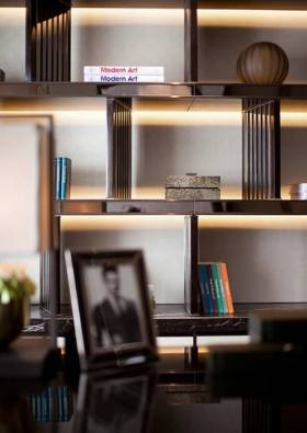 新古典主义精致高雅收纳展示柜设计
