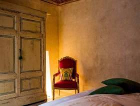 复古质感欧式卧室局部设计效果图