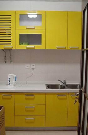 简约风格明黄色橱柜设计效果图