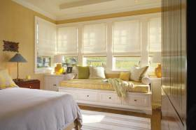 清新淡雅黄色系美式飘窗装修布置