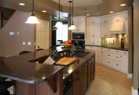 雅致清新美式半开放厨房装修