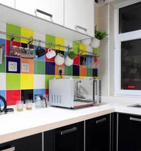 现代自然舒适厨房装修效果图