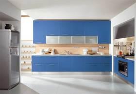 现代简洁时尚厨房装修案例