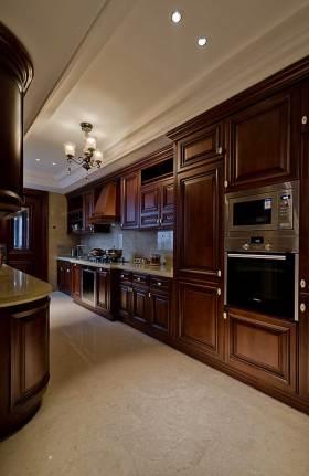 新古典原木厨房布置欣赏