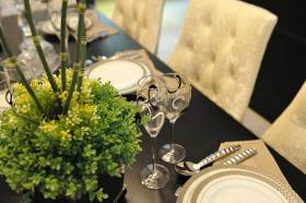 简欧雅致餐桌布置欣赏