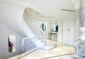 简欧风格时尚楼梯设计
