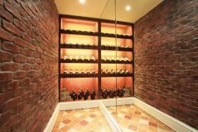 欧式经典时尚酒柜设计