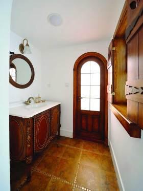 精致典雅新古典风格浴室柜装修效果图
