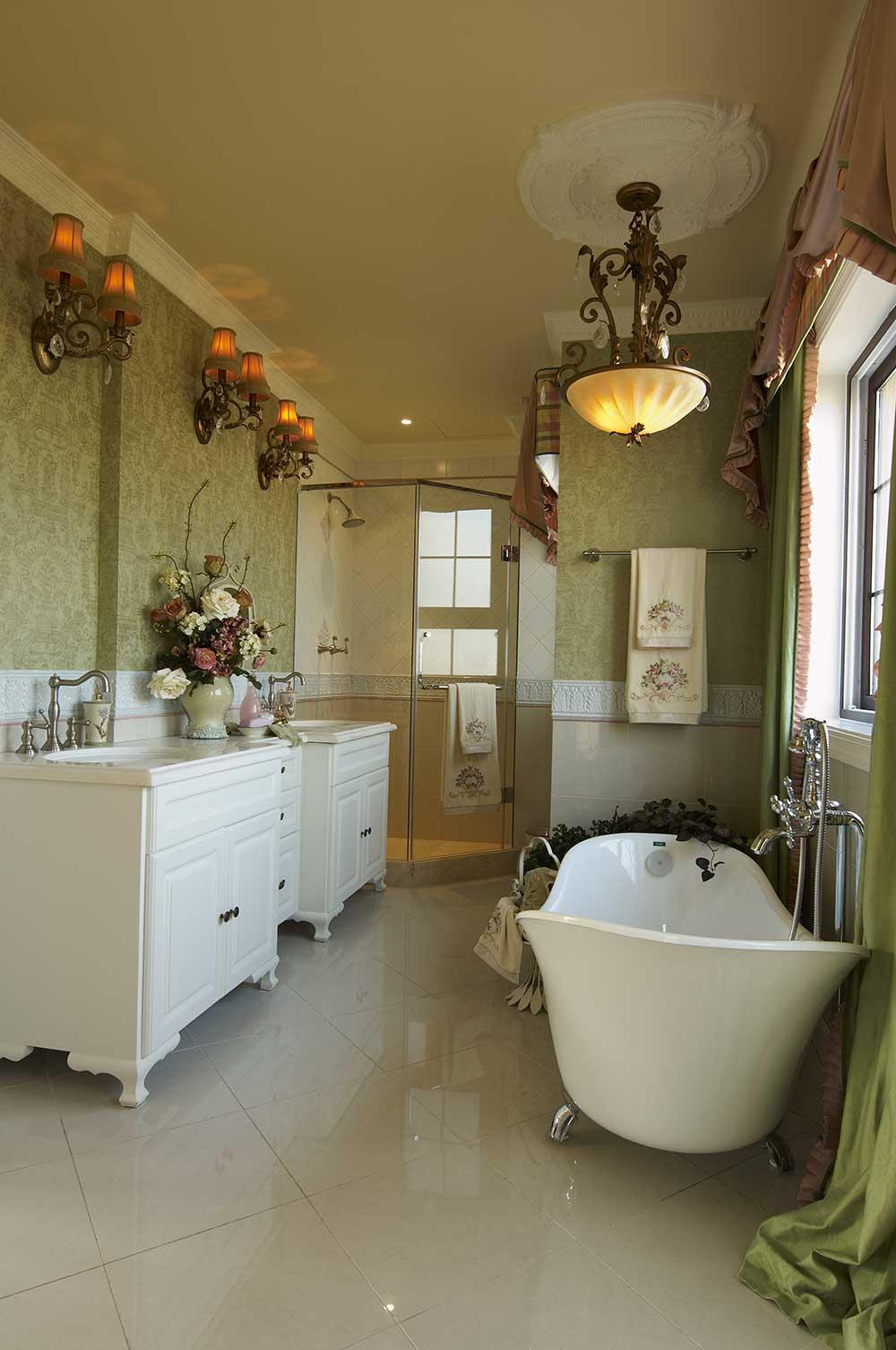 优雅大气欧式风格卫生间装饰布置