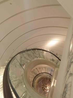唯美创意新古典风格楼梯设计效果图