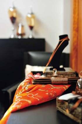 精致东南风格卧室装饰品美图