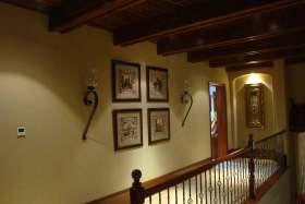 温馨沉稳美式风格楼梯过道设计欣赏