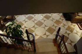 美式深沉楼梯设计俯视图