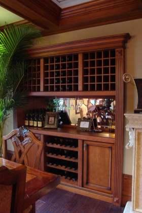 奢华古典美式风格酒柜设计欣赏