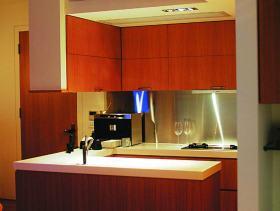 简洁时尚现代厨房装修案例