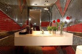 摩登现代风格卫生间设计图片