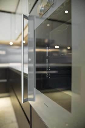现代风格烤箱装修布置欣赏