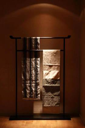 中式古风雅韵卫生间衣架展示