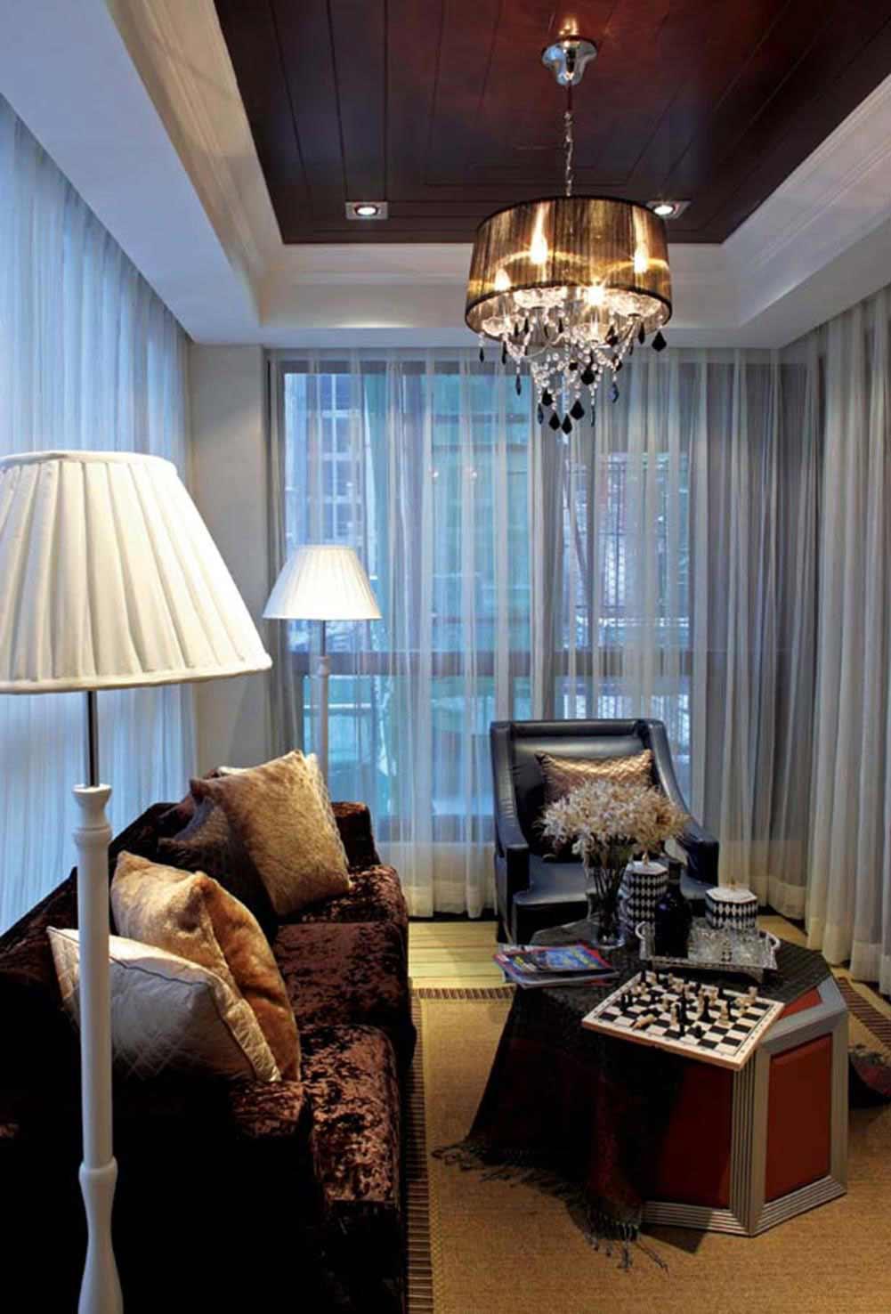 精致温馨欧式低奢客厅装修布置