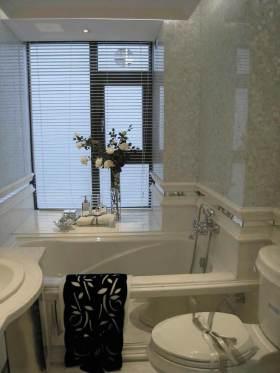 浪漫白色简欧风格卫生间装潢