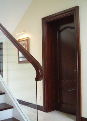 沉稳红木大气美式风格楼梯扶手细节展示
