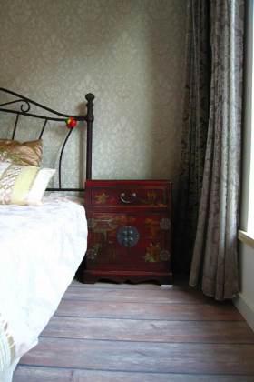 中式复古精美床头柜设计