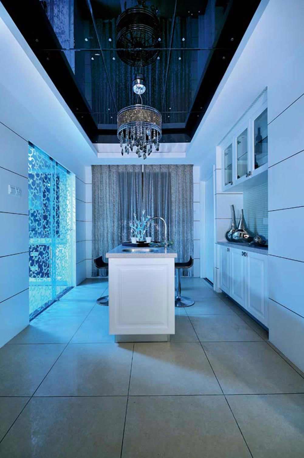 蓝色清新现代风格中岛式厨房设计
